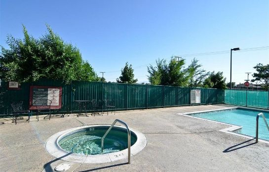Whirlpool Americas Best Value Inn Hesperia