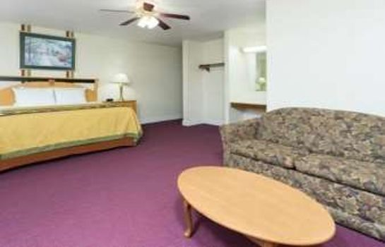 Suite SUPER 8 ANDERSON CLEMSON AREA