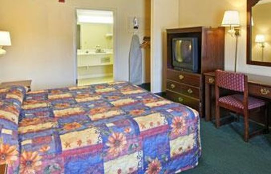 Suite SUPER 8 PORT WENTWORTH SAVANNA