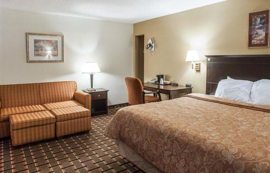Suite Econo Lodge  Inn and Suites