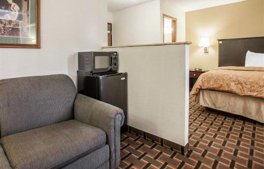 Suite Clarion Pointe Bettendorf