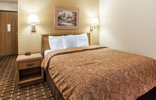 Kamers Econo Lodge  Inn & Suites