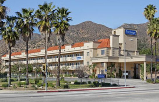 Vista exterior Travelodge Sylmar CA