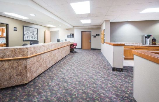 Hall Super 8 by Wyndham Iola KS