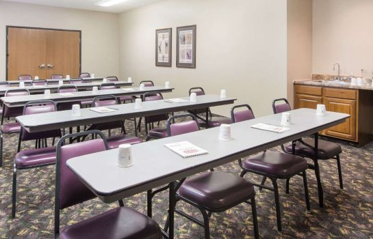 Sala de reuniones SUPER 8 BY WYNDHAM IOLA KS