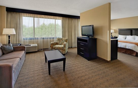 Suite NJ Radisson Hotel Freehold