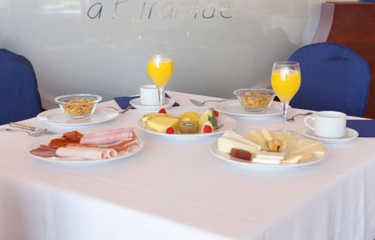 Breakfast buffet Villamadrid