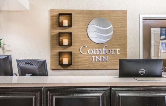 Hall Comfort Inn Savannah