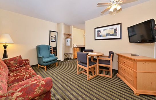 Zimmer AMERICAN INN AND SUITES