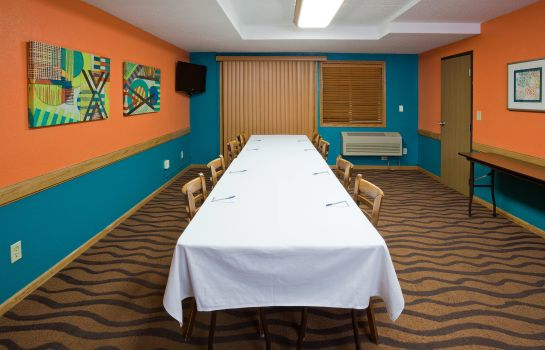 Conference room AmericInn Fargo West Acres