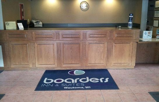 Recepcja Boarders Inn and Suites by Cobblestone Hotels Wautoma