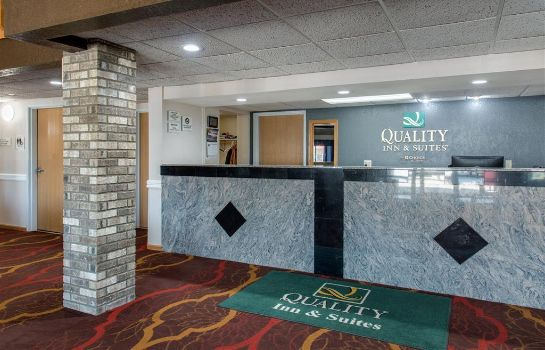 Hall Quality Inn and Suites