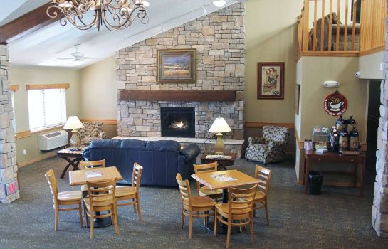Hall AmericInn Lodge & Suites Cedar Rapids