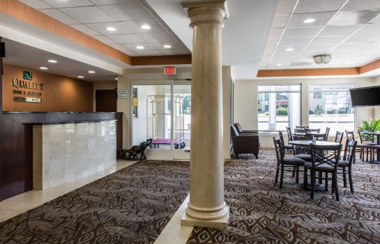 Hotelhalle Quality Inn and Suites Danbury near Univ