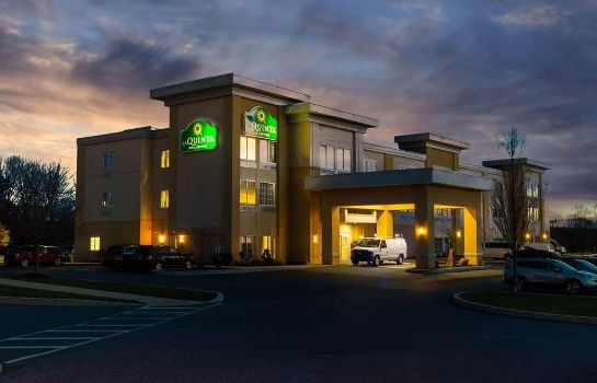 Außenansicht La Quinta Inn and Suites Harrisburg-Hershey