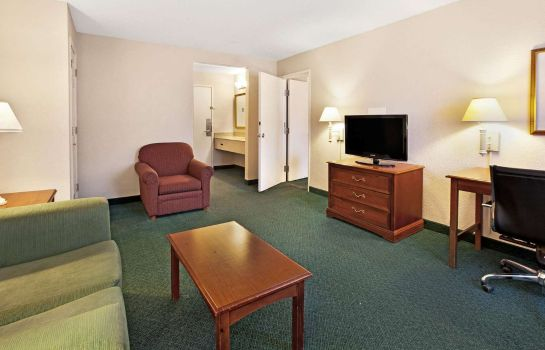 Suite La Quinta Inn by Wyndham Detroit Canton