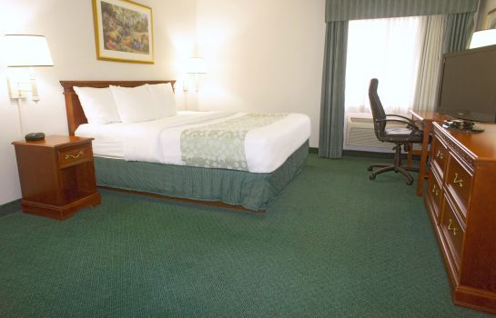 Suite La Quinta Inn by Wyndham Columbus Dublin