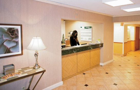 Hotelhalle La Quinta Inn and Suites Raleigh Durham Airport S
