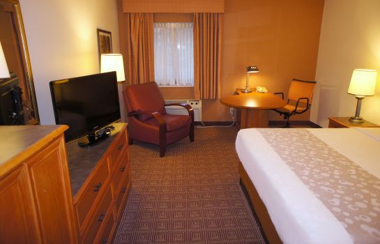 Zimmer La Quinta Inn and Suites Raleigh Durham Airport S