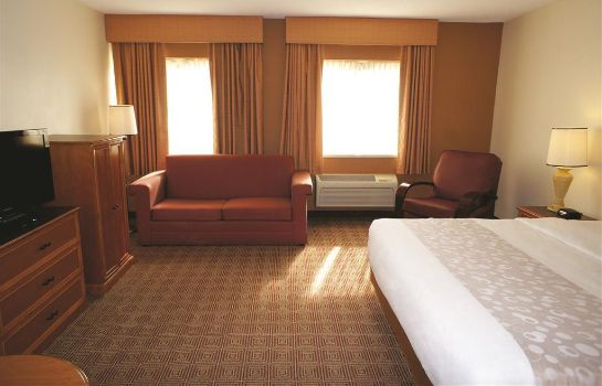 Room Quality Inn & Suites Raleigh Durham Airport