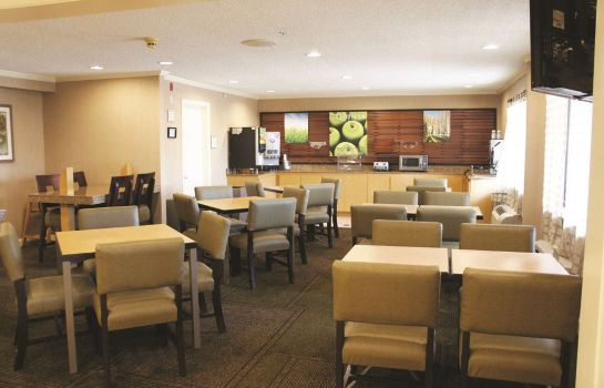 Restaurant La Quinta Inn Ste Houston Southwest