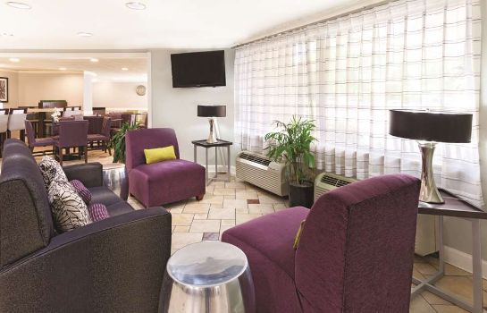 Hotelhalle La Quinta Inn and Suites Miami Airport East
