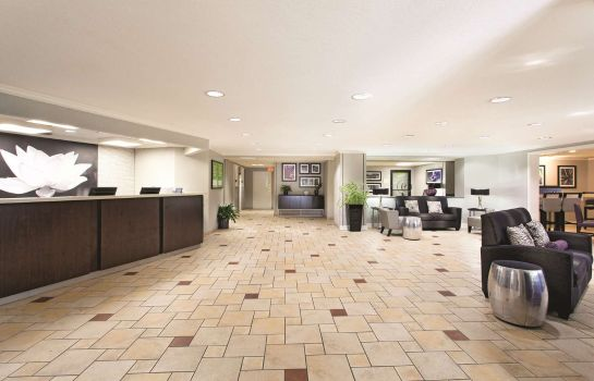 Hall La Quinta Inn Ste Miami Airport East