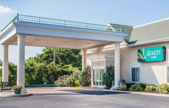Buitenaanzicht Quality Inn Lake of the Ozarks