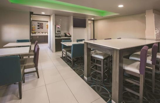 Restaurant La Quinta Inn & Suites by Wyndham Dallas Mesquite