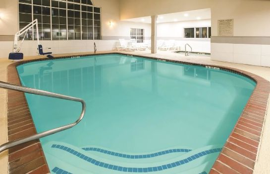Jaccuzi La Quinta Inn & Suites by Wyndham Dallas Mesquite