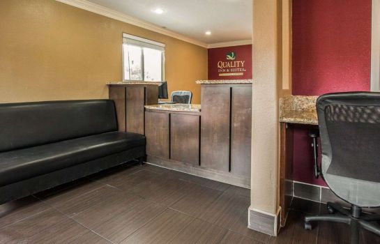 Hall Quality Inn & Suites Escondido