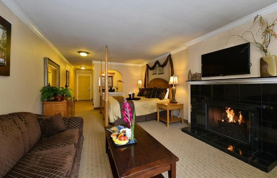 Suite MONTEREY FIRESIDE LODGE