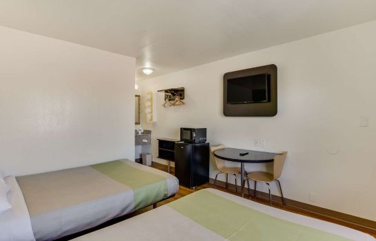 Zimmer Best Value Inn El Paso