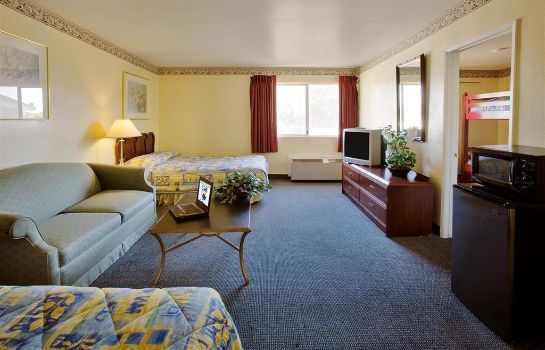 Suite AMERICAS BEST VALUE ASTORIA