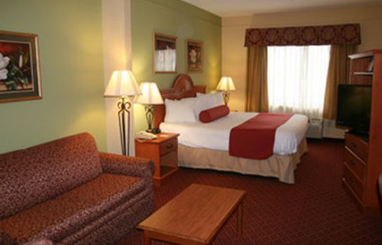 Zimmer BW PLUS STRAWBERRY INN SUITES