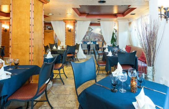 Restaurant an Ascend Hotel Collection Member Castillo Real