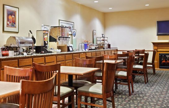 Ristorante IA  Omaha Airport Country Inn and Suites By Carlson