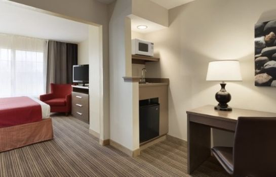 Suite IA  Omaha Airport Country Inn and Suites By Carlson