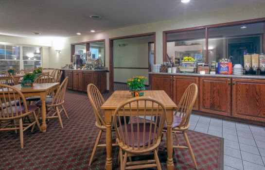 Restauracja IA  Decorah Country Inn and Suites By Carlson