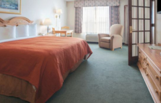 Suite IA  Decorah Country Inn and Suites By Carlson