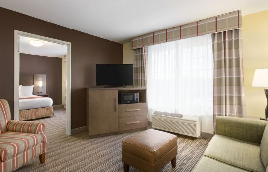 Suite MN  Albert Lea Country Inn and Suites By Carlson
