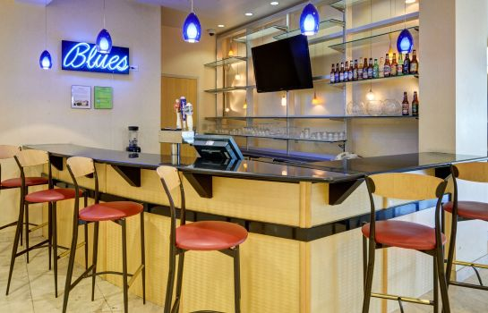 Hotel-Bar Comfort Inn & Suites Presidential