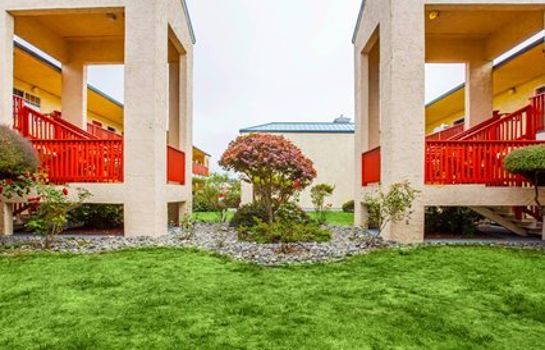 Vista exterior Quality Inn & Suites Redwood Coast