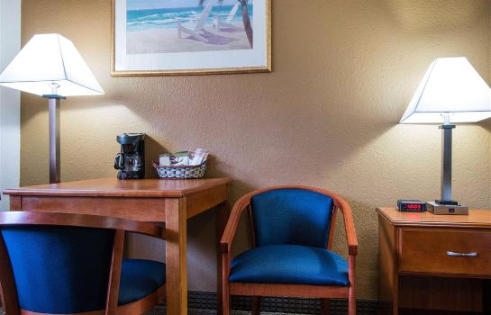 Zimmer Quality Inn and Suites Crescent City Red