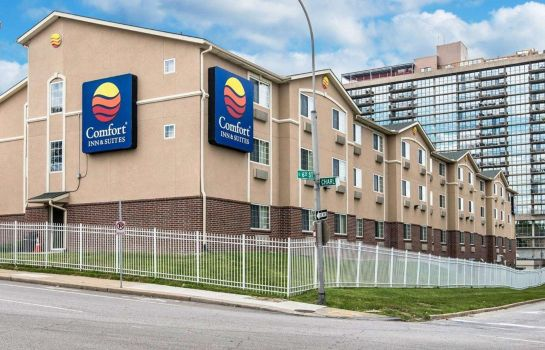 Exterior view Comfort Inn and Suites Kansas City Downt