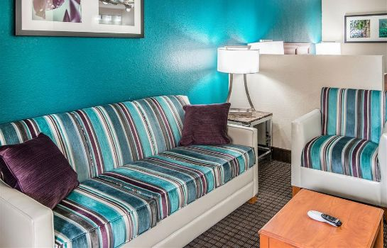 Suite Quality Inn and Suites Near White Sands