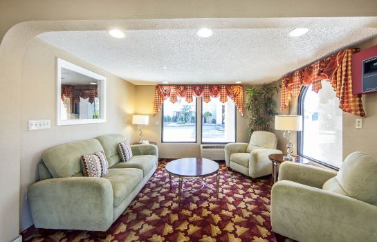 Hotelhalle Howard Johnson by Wyndham Chattanooga Lookout Mountain