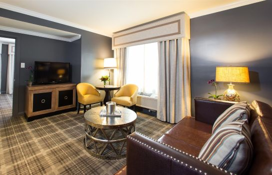 Suite The Campbell House Lexington Curio Collection by Hilton