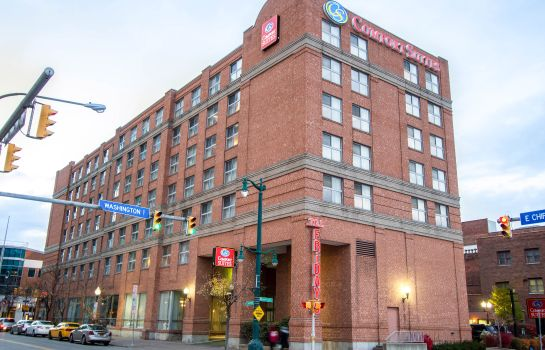Exterior view Holiday Inn Express & Suites BUFFALO DOWNTOWN