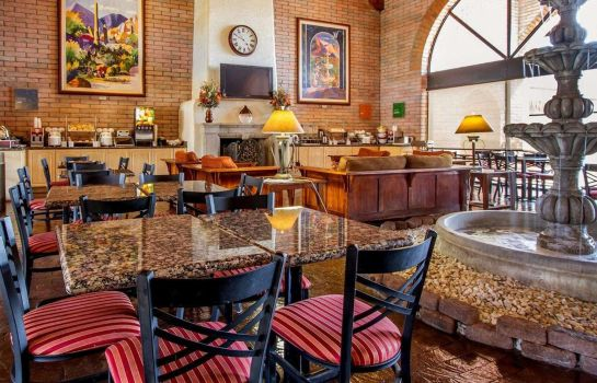 Restaurant Comfort Suites at Sabino Canyon